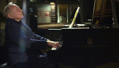 Fotograma del documental sobre el pianista Seymour Bernstein, 'Seymour: an Introduction', dirigido por Ethan Hawke.