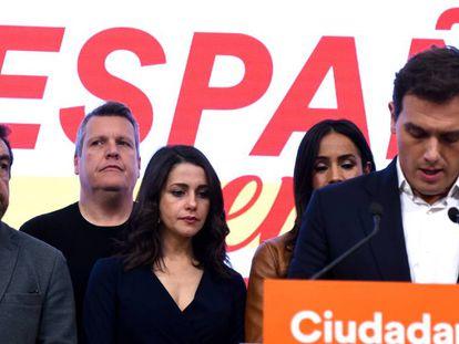 Albert Rivera comparece el domingo tras los peores resultados de Ciudadanos en sus 13 años de historia. En vídeo, la dimisión de Rivera, este lunes.