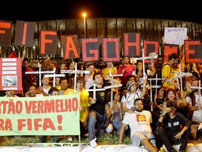 Manifestantes en contra del Mundial en Brasilia