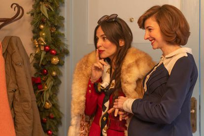 Elena Anaya y Anna Moliner, en el segundo capítulo de 'Días de Navidad'.