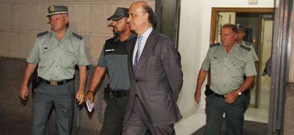 El dueño de la consultora Uniter, José González Mata, camino de prisión.