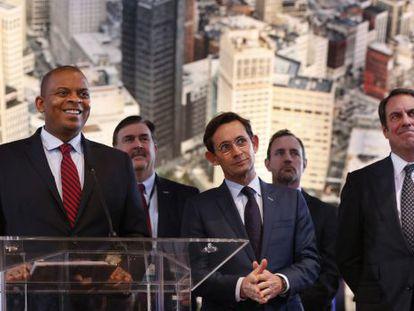 El Secretario de Transporter Anthony Foxx, desvela su plan de 4.000 millones de dólares para apoyar el coche sin conductor.