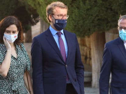 Los presidentes de la Comunidad de Madrid, Isabel Diaz Ayuso; de la Xunta, Alberto Núñez Feijoo, y de Melilla, Eduardo de Castro, el 31 de julio.