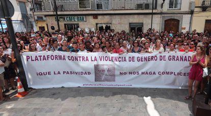 Concentración en Macarena (Granada) el día en que Juana Rivas se fugó con sus hijos.