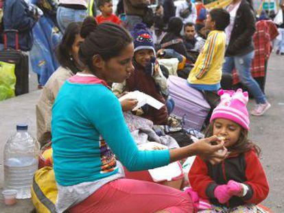 El país andino exigirá desde mañana el pasaporte para cruzar la frontera