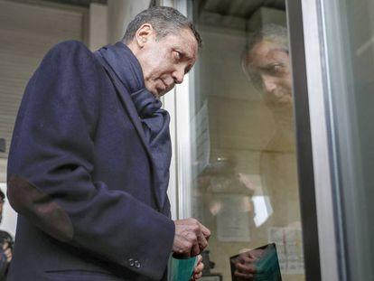El expresidente de la Generalitat valenciana Eduardo Zaplana, el pasado 18 febrero a la entrada de los juzgados de Valencia.