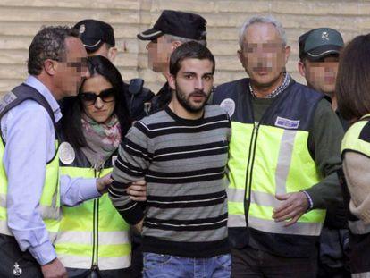Miguel Carcaño, asesino confeso de Marta del Castillo, en marzo de 2014. En vídeo, declaraciones de la madre de Marta en el décimo aniversario de su muerte.