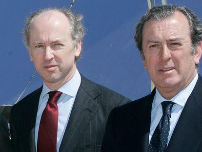 Los hermanos Felipe (izq.) y Javier Benjumea, en un acto en Sevilla en 2007.