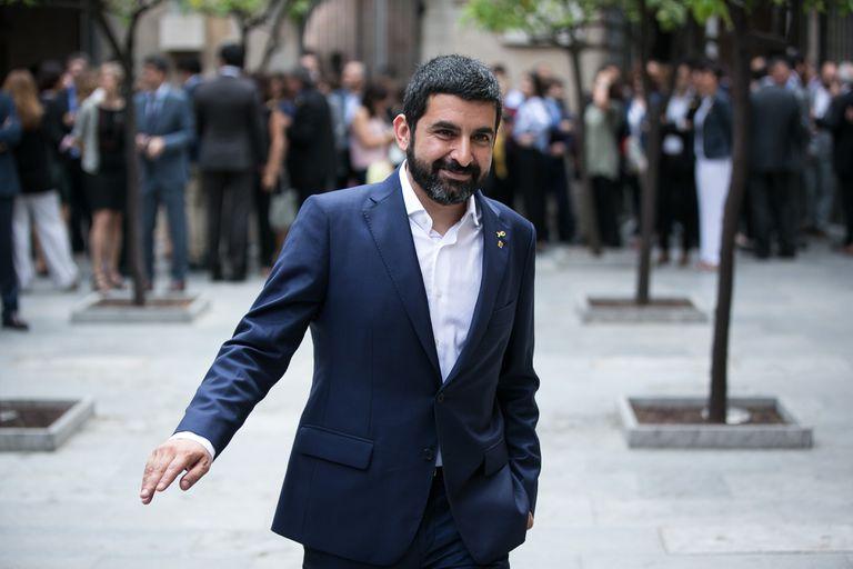 El consejero Chakir El Homrani, en el Palau de la Generalitat.