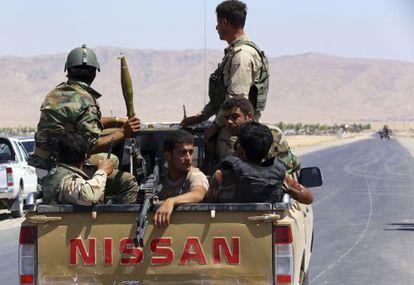 Milicianos kurdos cerca de Makhmur, en la provincia de Nínive.