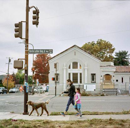 Edificio que albergaba Rainbow Sign en South Berkeley.