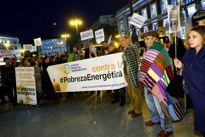 Concentración en la Puerta del Sol de Madrid con ocasión del Día Europeo contra la Pobreza Energética.