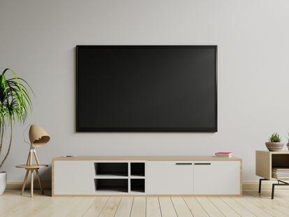 Fijar la televisión a la pared con un soporte permite ahorrar espacio y mejorar el visionado.