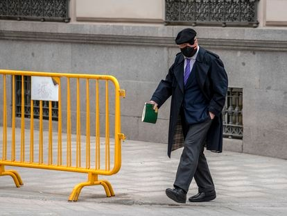 El comisario jubilado José Manuel Villarejo, en las inmediaciones de la Audiencia Nacional el pasado 4 de marzo.