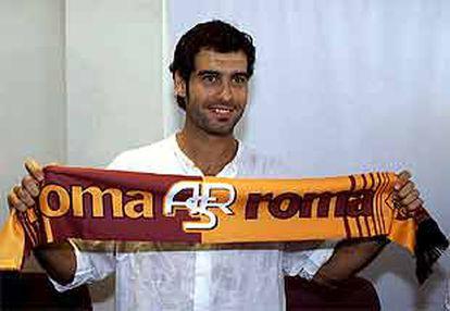 Guardiola, ayer, en su presentación como nuevo jugador del Roma.