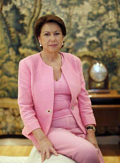 La ministra de Fomento, Magdalena Álvarez, en su despacho.