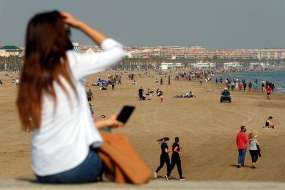 Imagen de la playa de la Malvarrosa, en Valencia, a finales de febrero.