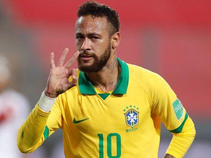 Neymar celebra un gol frente a Perú.