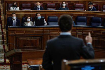El líder del PP, Pablo Casado, durante su intervención en la sesión de control al Ejecutivo, este miércoles en el Congreso.