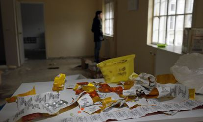 Fármacos en el hospital psquiátrico abandonado de Toén, en Ourense.