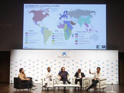 Una de las mesas de ponentes durante el II encuentro de periodistas África / España, organizado en Madrid por Casa África.
