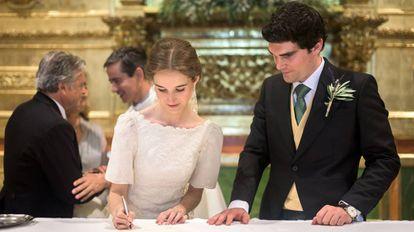 Alejandra Corsini junto a su marido el día de su boda.