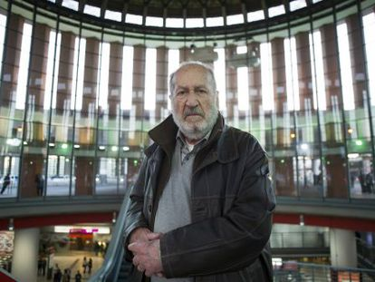 Josep Maria Forn, en 2015, en la estación de Atocha, en Madrid.