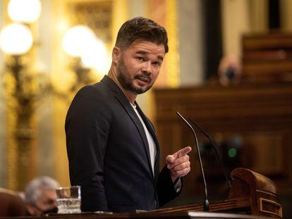 El portavoz de ERC, Gabriel Rufián, durante su intervención este martes en el Congreso en el debate sobre los indultos.