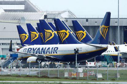 Aviones de Ryanair aparcados en el aeropuerto de Dublín, el 1 de mayo de este año.