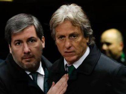 Desde la izquierda,el presidente del Sporting  Bruno de Carvalho con su entrenador Jorge Jesús.