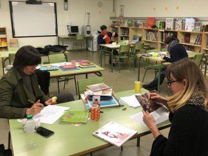 Una escuela de Barcelona retira 200 cuentos infantiles de su biblioteca al considerarlos  tóxicos