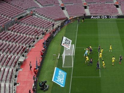 El Barça marca un gol en el partido a puerta cerrada contra Las Palmas del 1 de octubre de 2017 en el Camp Nou