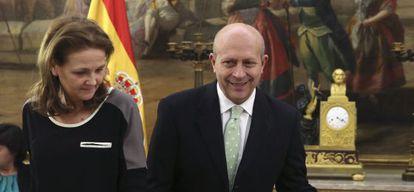 La secretaria de Estado, Montserrat Gomendio, junto Wert.