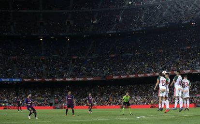 Messi, en el último partido del Barcelona en el Camp Nou.