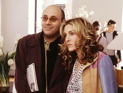 Willie Garson con Sarah Jessica Parker durante una escena de 'Sexo en Nueva York'.