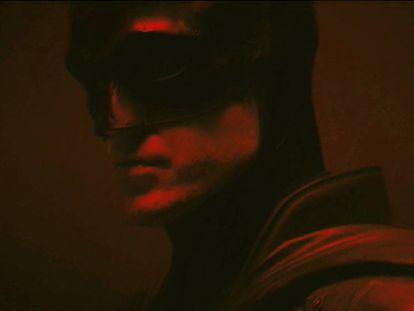 Robert Pattinson caracterizado como Batman.