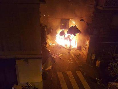 Incendio del decorado de la calle.