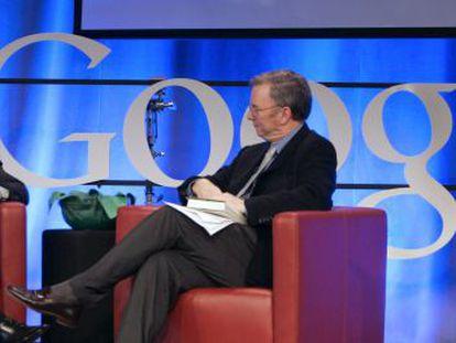 Barack Obama con Eric Schmidt, entonces presidente de Google, en 2007.