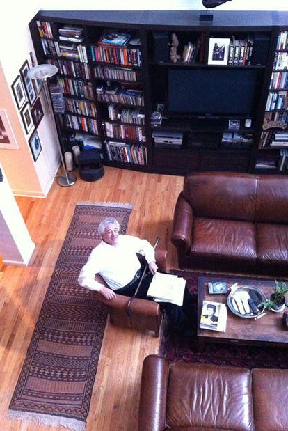 Peter Meyer, presidente de Overlook Press, en su domicilio de Nueva York en enero  de 2011.