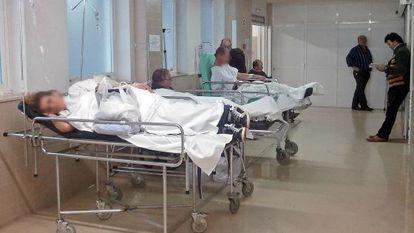 Enfermos en las urgencias del hospital Meixoeiro de Vigo