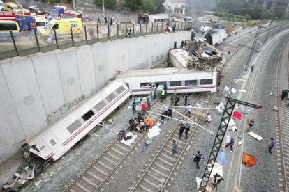 Tren Alvia accidentado en Angrois