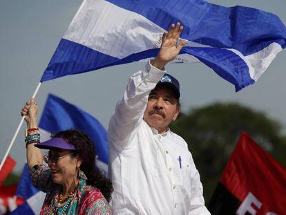 Daniel Ortega, junto su esposa la vicepresidenta Rosario Murillo en la celebración de los 39 años de la victoria sandinista.