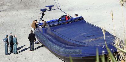 La gran planeadora incautada en 2009 en una playa de Nigrán