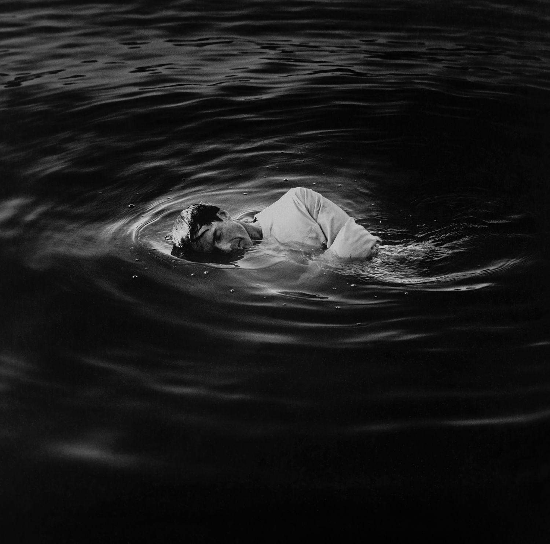 'Autorretrato en el agua' (1991), de Robert Stivers.