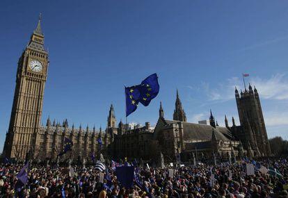 Manifestación contra el Brexit, junto al Parlamento británico.