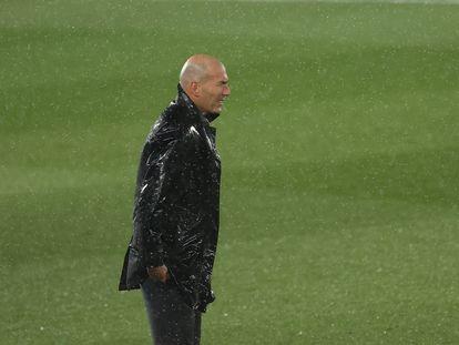 Zidane, durante el clásico en el Di Stéfano.