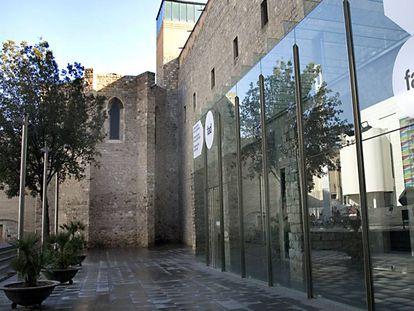 Fachada del Convent dels Àngels junto al que está previsto construir el nuevo edificio donde se ampliará el Macba.
