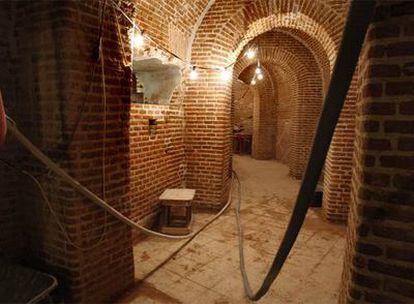 Sótano del Congreso con obras de cableado y en el que fueron hallados los restos humanos.