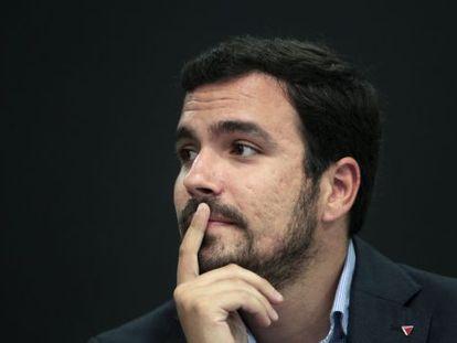 El candidato de IU a la Presidencia del Gobierno, Alberto Garzon, tras la rueda de prensa que ofreció ayer para exponer su proyecto de unidad popular.