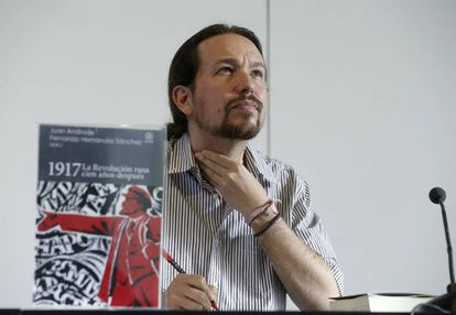 El líder de Podemos, Pablo Iglesias, durante un coloquio sobre la revolución rusa en el Círculo de Bellas Artes, en Madrid.